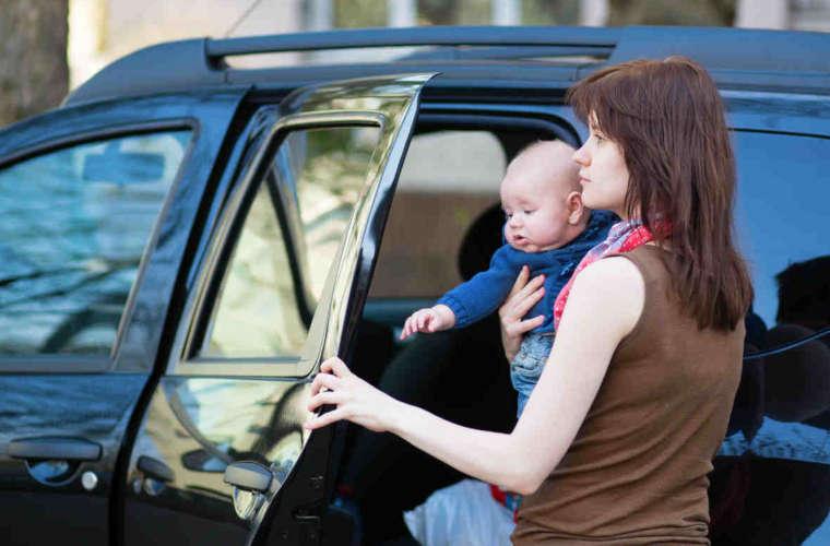写真:産後退院タクシー